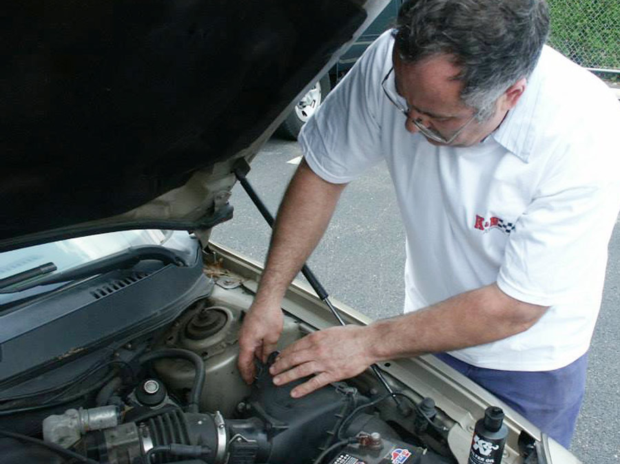 ron ananian working under the hood